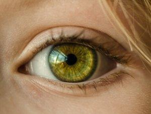eye 470 x 355